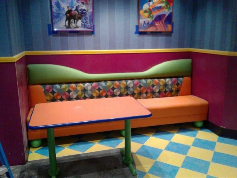 Custom-Commercial-Furniture-for-Restaurants-and-Hotels-by-GN-Upholstery-Los-Angeles-009